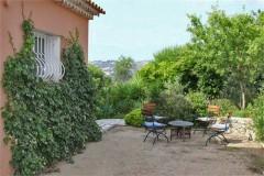 Latour kitchen terrace
