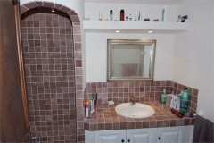 Majolie bathroom 3