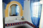 Olivade bathroom 1