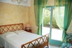 Olivade bedroom 1