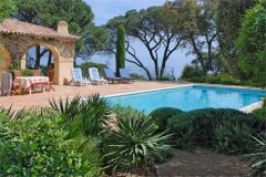 Olivade pool, garden and sea