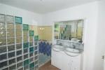 Tumulus-P bathroom 1.