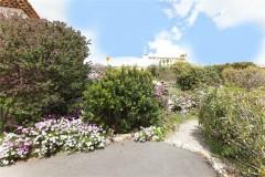 Tumulus 2 garden