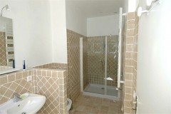 Aurelia bathroom 1.
