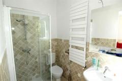 Aurelia bathroom 2.