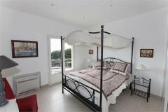 Aurelia bedroom 1 (day).