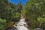 Aurelia stairway to pool.