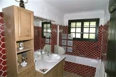 Lavandes bathroom